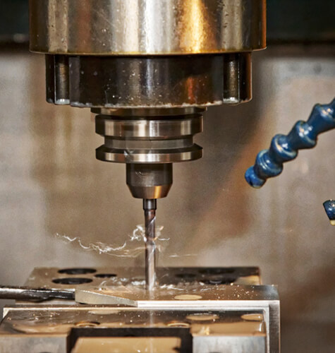 Výroba kovovej súčiastky pomocou cnc frézovania