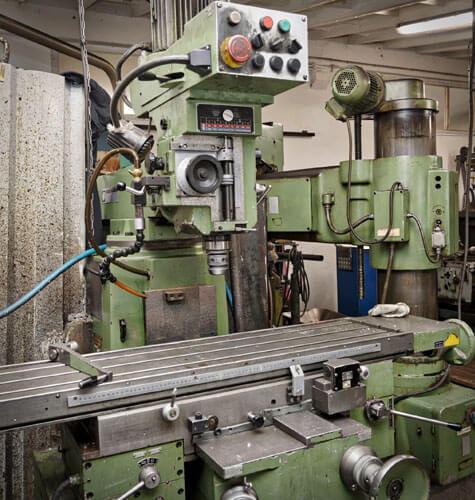 Výroba kovových súčiastok pomocou vačkového automatu