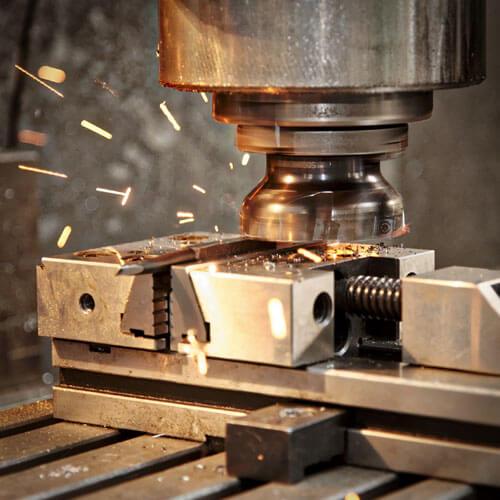 Obrábanie všetkých typov kovov na klasických frézach.
