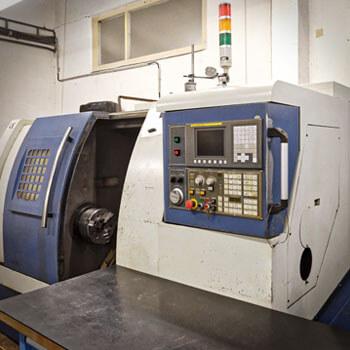 CNC sústruh PINNACLE L210 na CNC sústruženie
