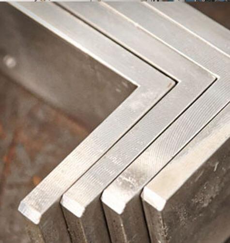 Kovové súčiastky vyrobené klasickým frézovaním