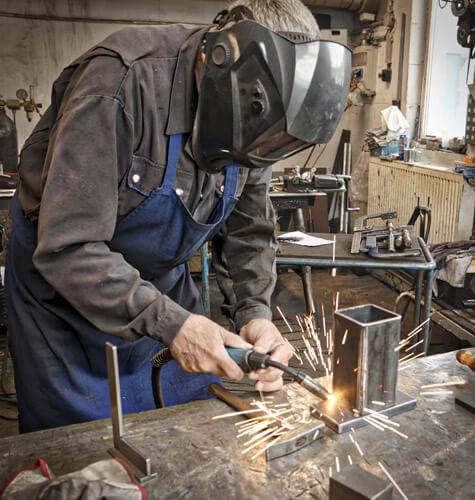 Zváranie všetkých druhov zvariteľných ocelí.